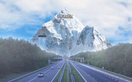 Carretera con una montaña al fondo
